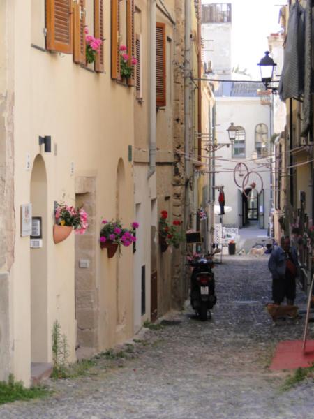 Alghero - boczna uliczka