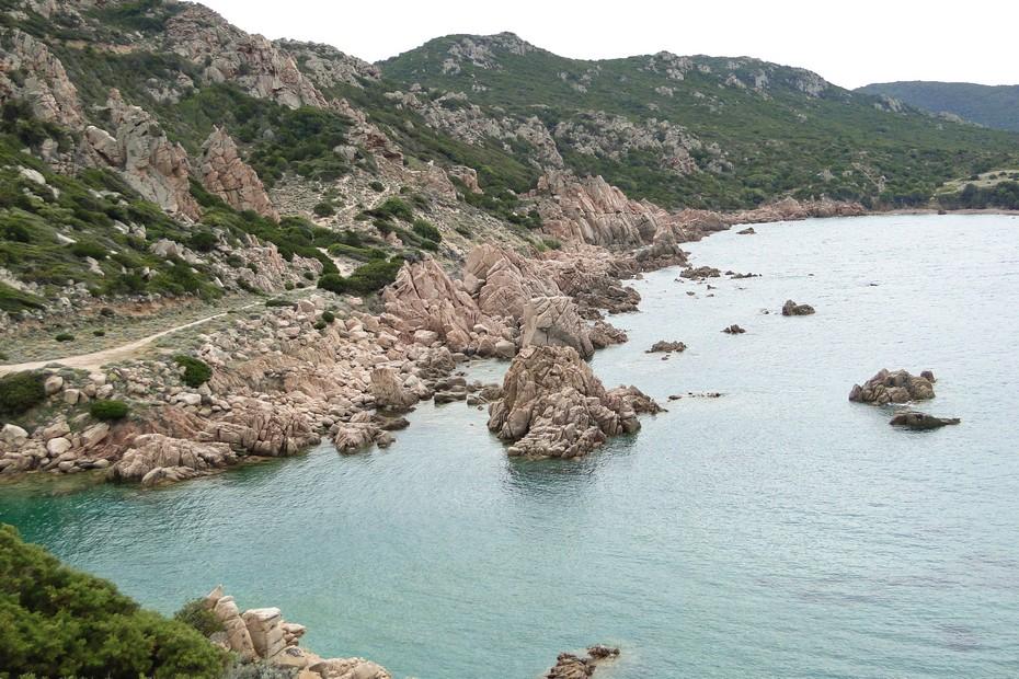 Droga na Spiaggia Li Cossi