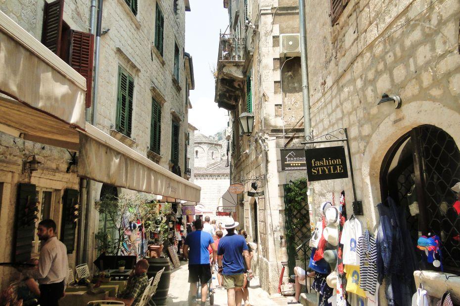 Turyści w Kotorze