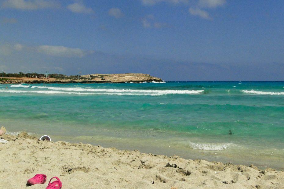 Plaża Kalamies. Protaras. Cypr.
