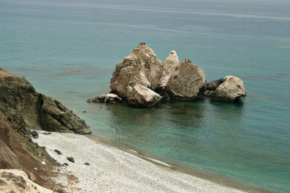 Skała Afrodyty. Plaże Cypru.